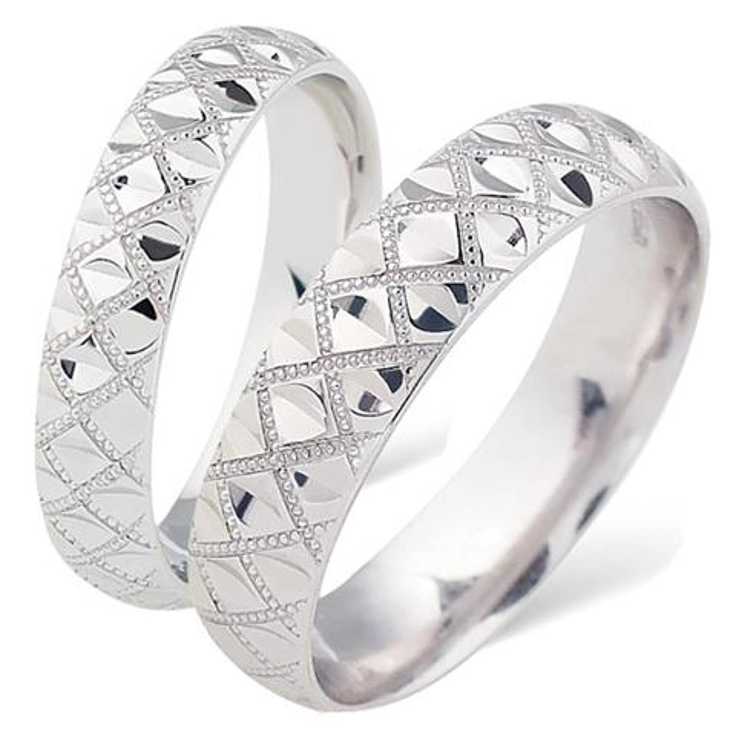Ladies Patterned Wedding Ring