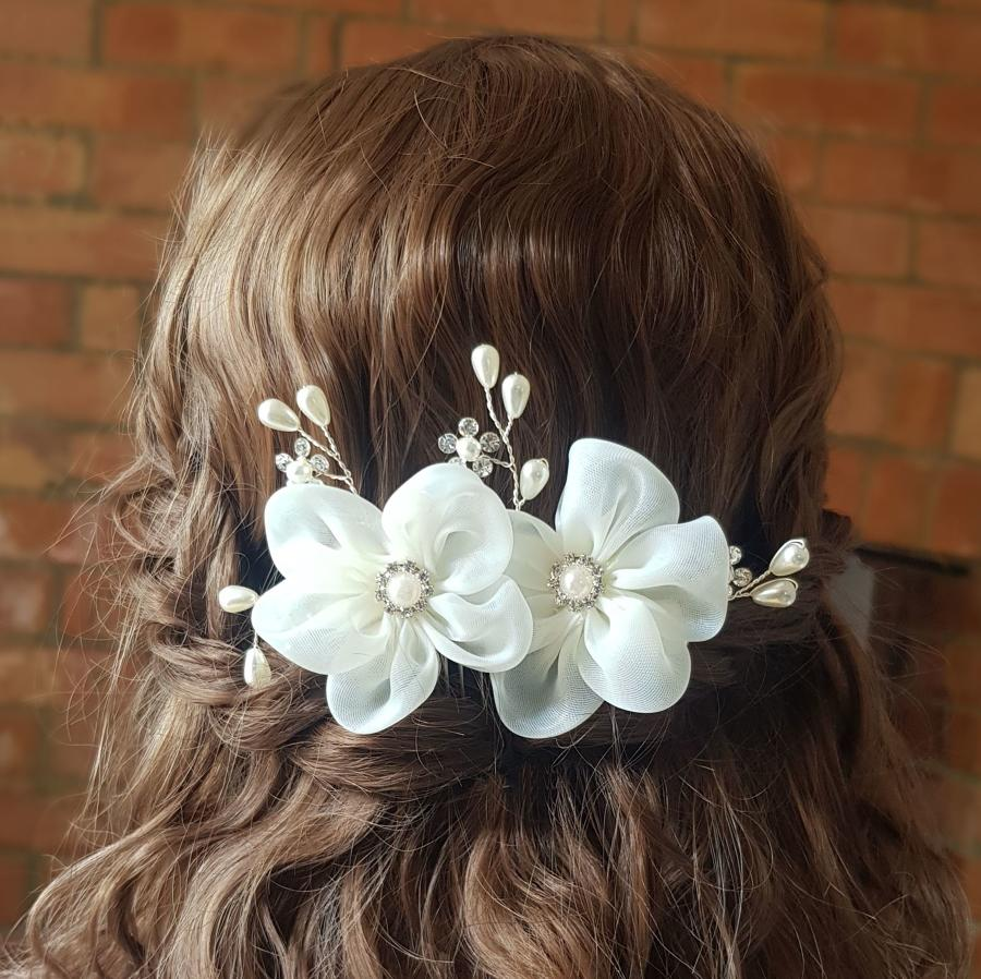 Floral, Cream Pearl & Crystal Hair Comb