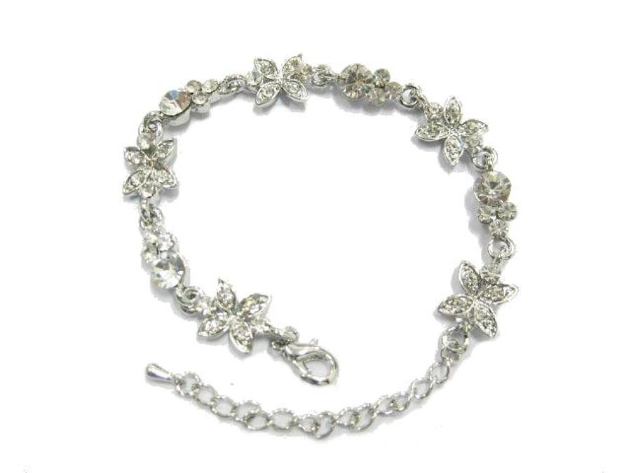 Exquisite Crystal Flower Bracelet