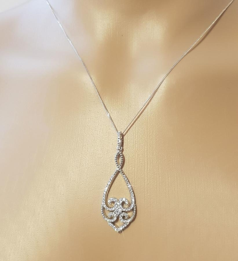Sterling Silver Cubic Zirconia Vintage Style Pendant & Chain