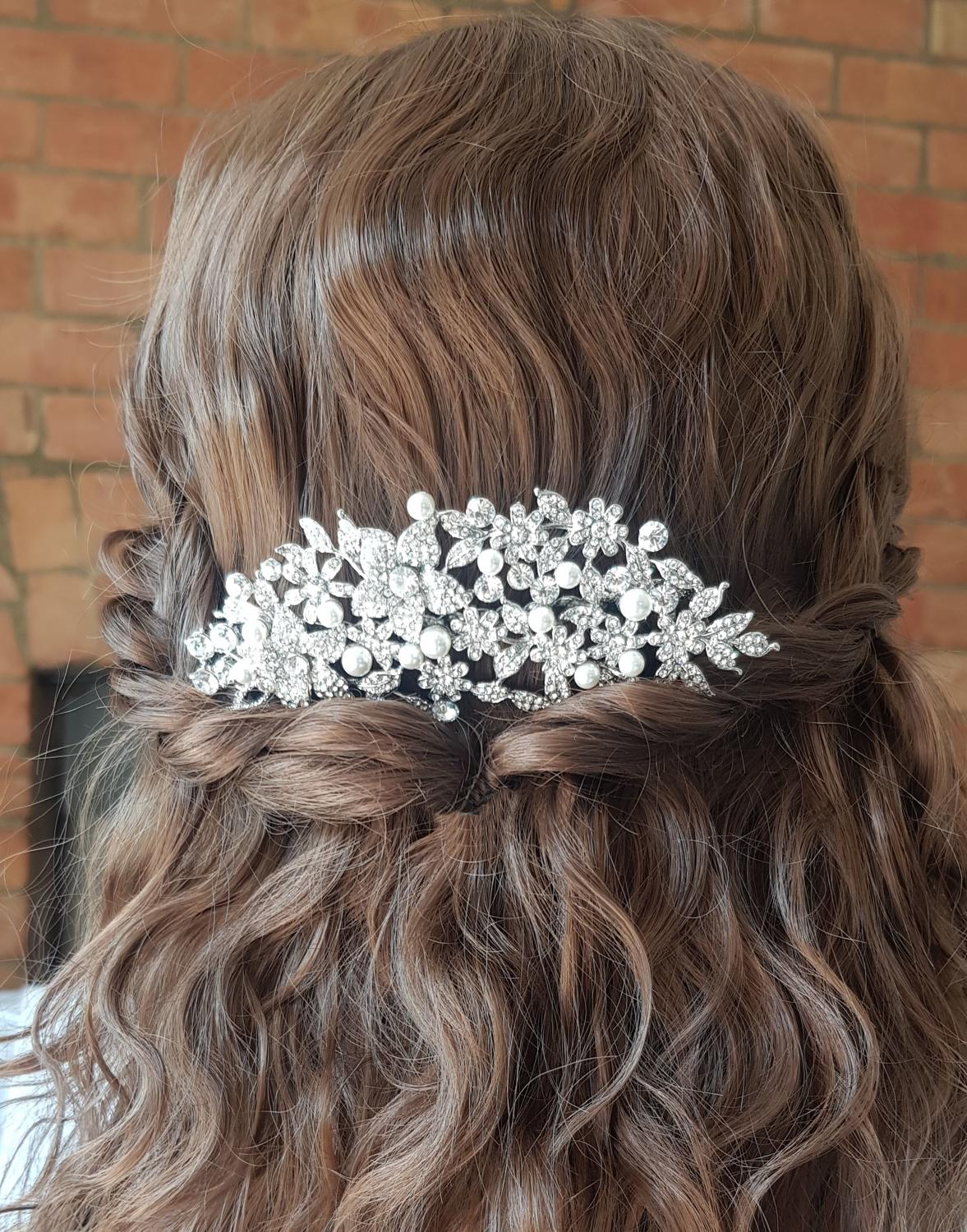 Isabelle Crystal & Pearl Hair Comb