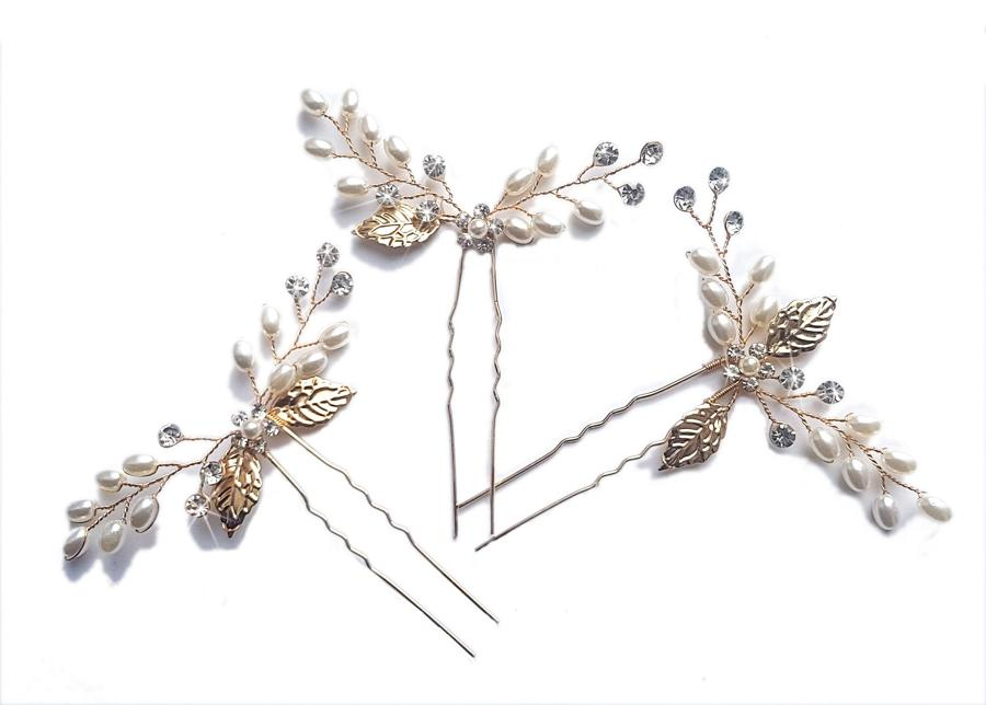 Yellow Gold Plated Pearl/Crystal Flower & Leaf Pins
